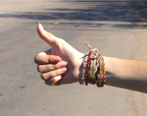 Hitchhiker's_gesture
